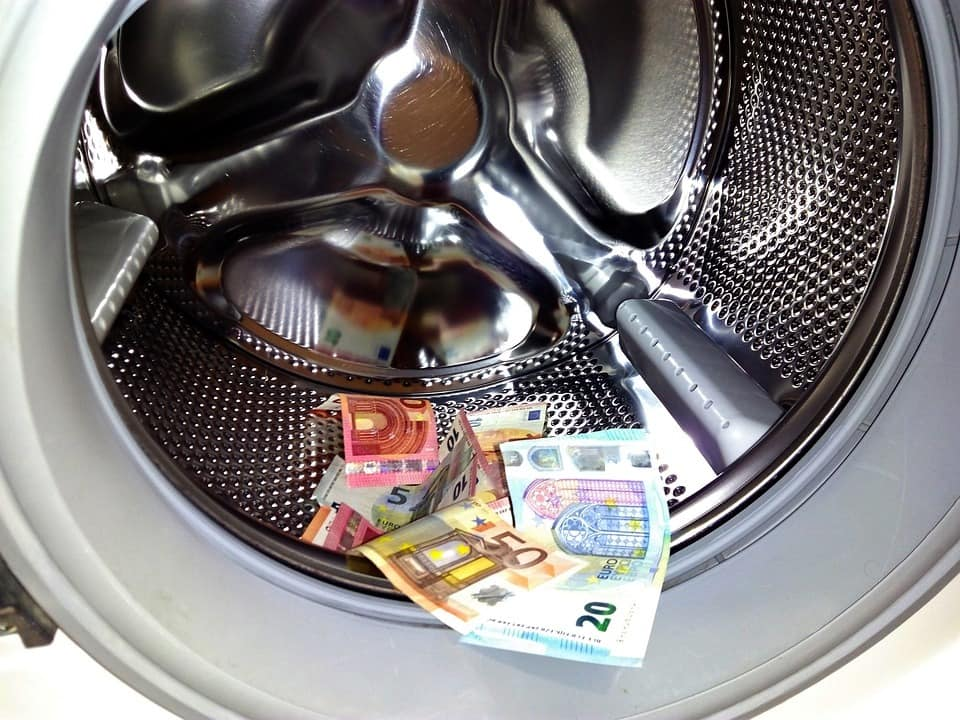 money-laundering-1952737_960_720
