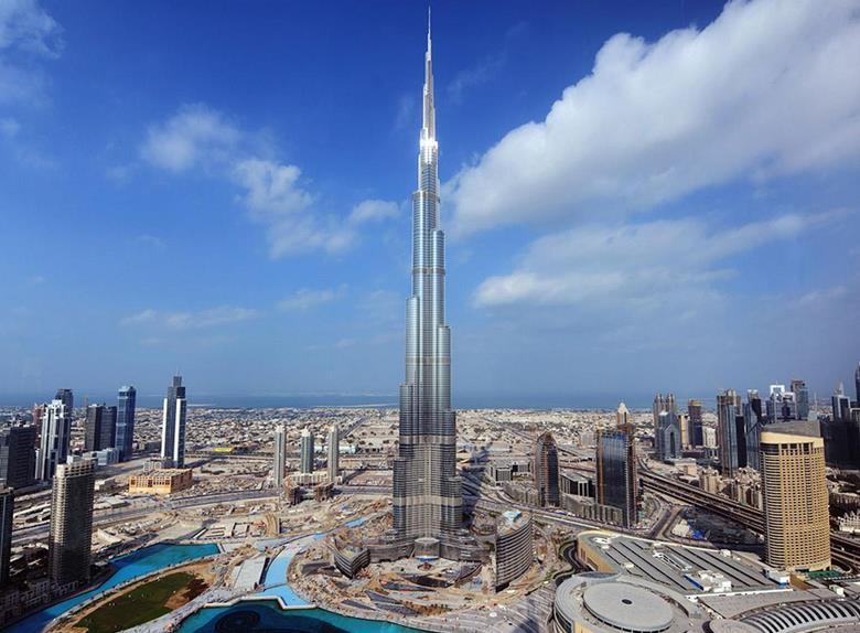قمة البرج برج خليفة تقدم للمقيمين عروضا حصريا عند استخدام
